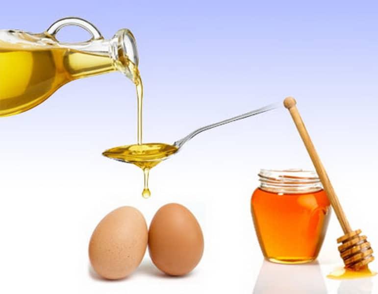 Яйцо и мед — самые популярные продукты, которые часто используют в косметических целях