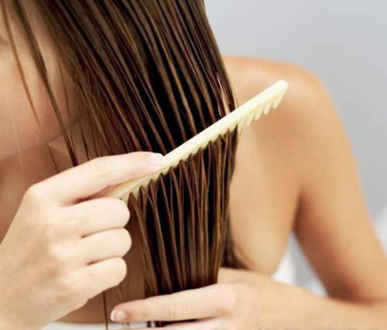 На сегодняшний день существует много рецептов масок для блеска волос. В большинстве из них используются самые простые и доступные ингредиенты