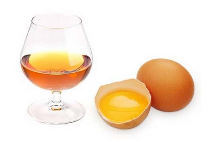 Маска для волос с яйцом, коньяком и кондиционером, поможет вернуть красоту ваших локонов
