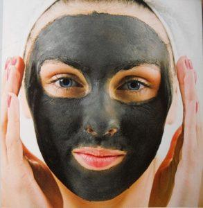 Маска для лица из черной глины: здоровье и обновление