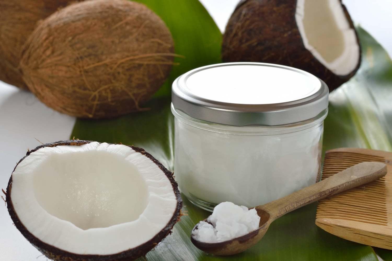 Кокосовое масло очень часто используют для ухода за волосами, лицом, телом
