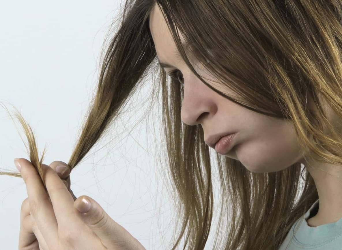 Многие девушки очень часто недооценивают народные средства для ухода за волосами