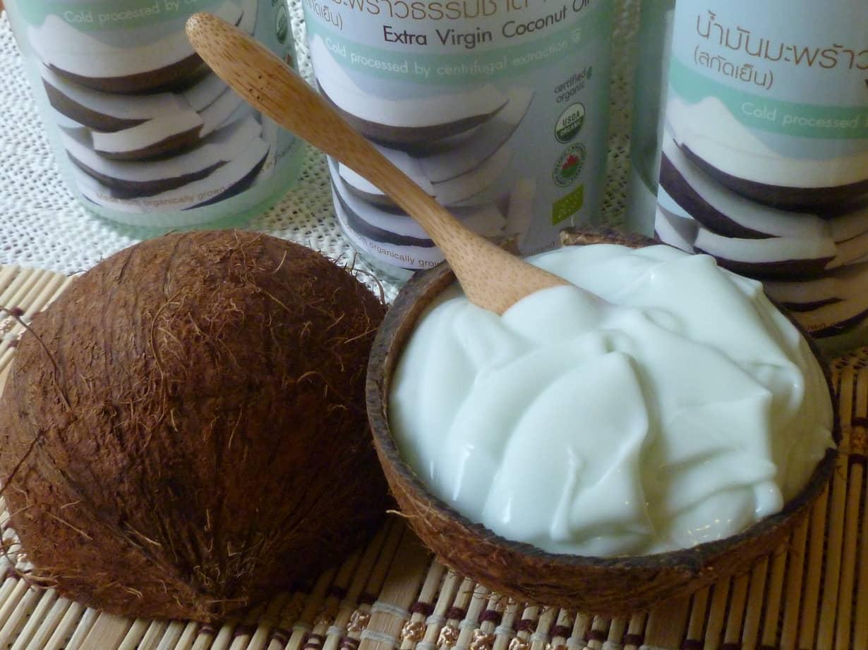 Маска с кокосовым маслом — питает, увлажняет и защищает ваши волосы
