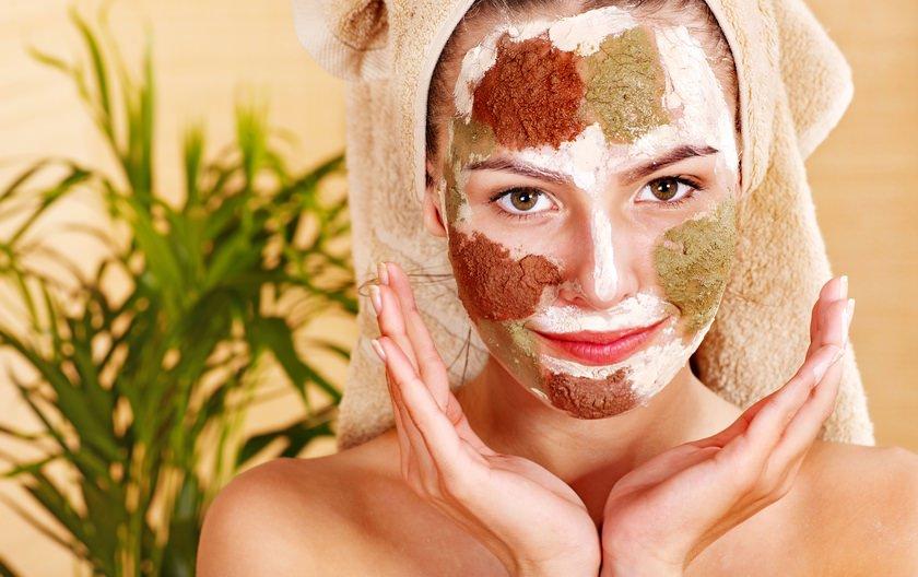 При нанесении маски следует придерживаться правил, так как при их соблюдении получится добиться желаемого эффекта