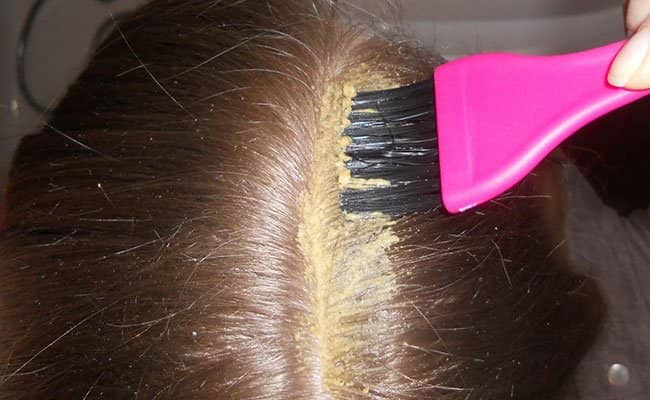 Маску для волос необходимо наносить правильно, так как от этого зависит результат ее воздействия