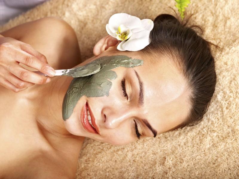 Маска для лица из зелени является эффективным и безопасным средством для регулярного ухода за кожей