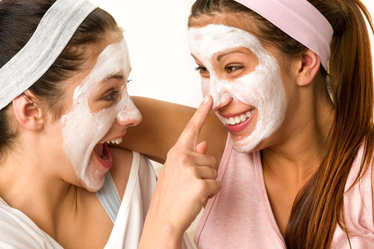 Если вы правильно подобрали для себя маску для лица, то положительный эффект вы заметите уже после нескольких применений