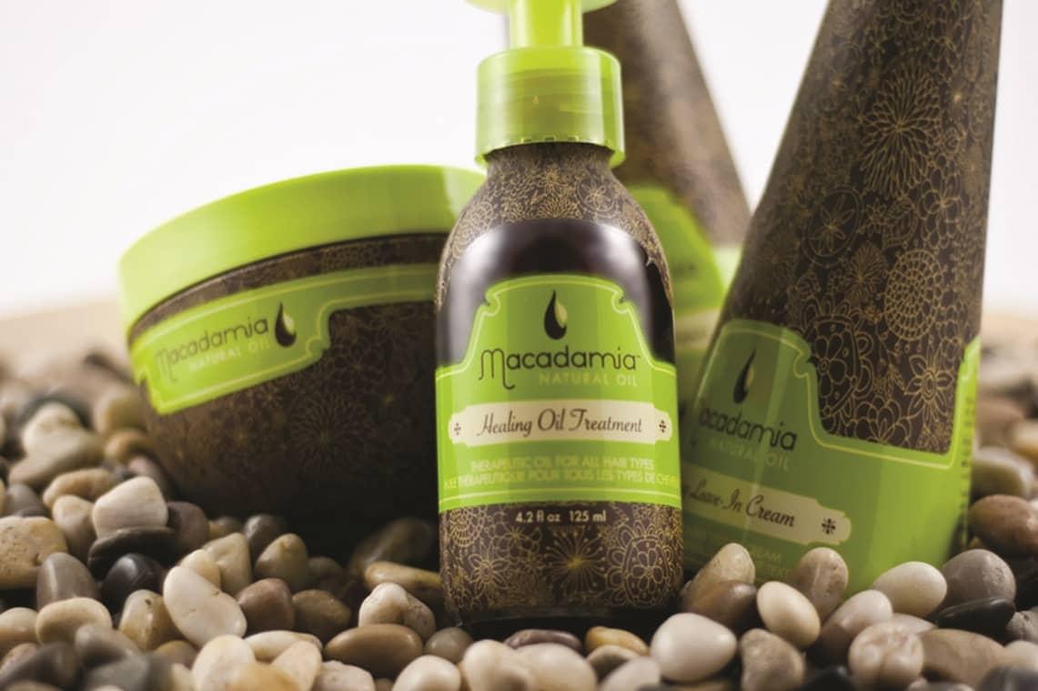 Благодаря серии продуктов по уходу за волосами Macadamia natural oil, ваши волосы станут нежными и мягкими