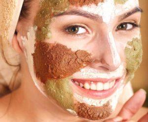 Краткое руководство по маскам для проблемной кожи лица в домашних условиях