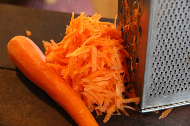 Обладая уникальными качествами, морковь справится даже с неровностью цвета лица