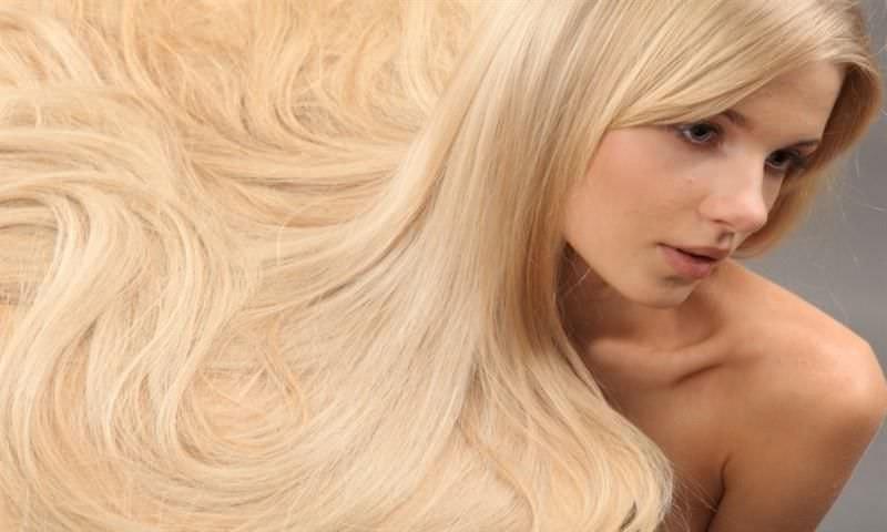 Благодаря корице и меду, возможно осветлить волосы в домашних условиях