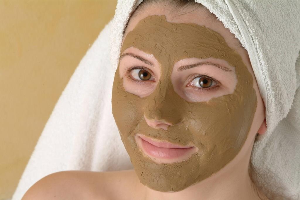 Маска из ламинарии с кефиром защитит проблемную кожу от высыпаний и появления угрей