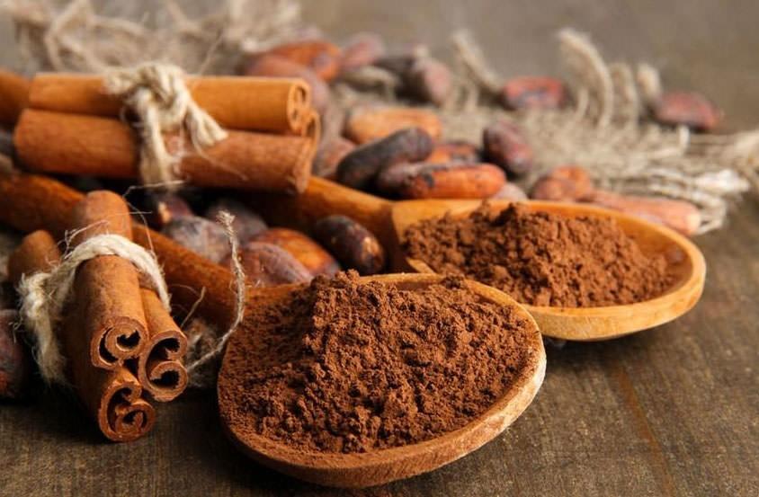 Корица способна не только придавать аромат десертам, но и заботиться о вашей прическе