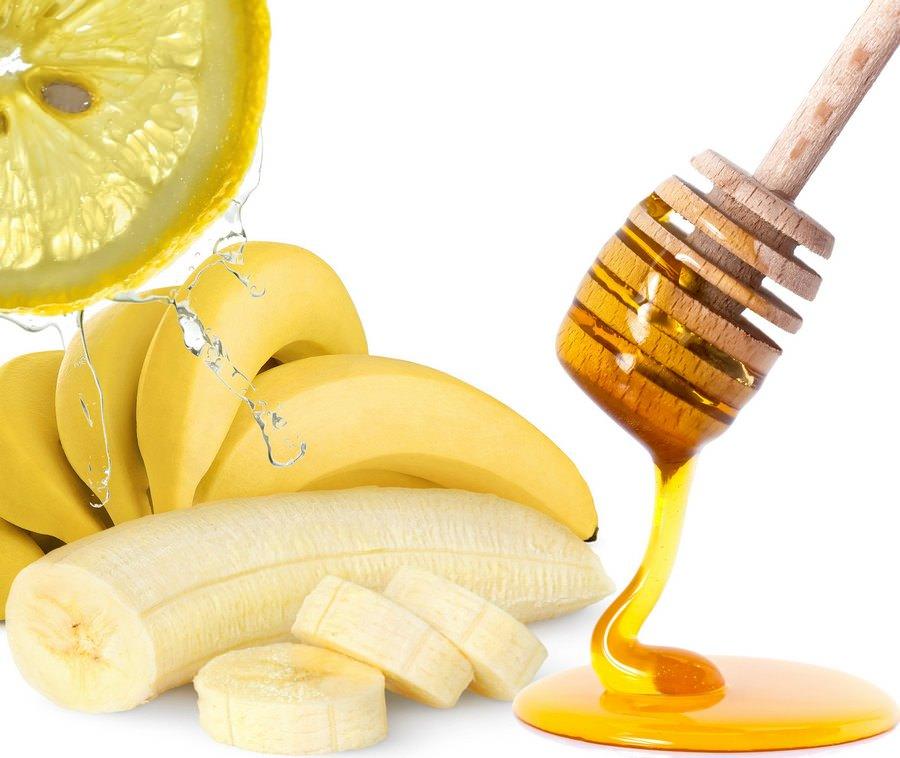 Медово-банановая маска очень хорошо питает и тонизирует кожу лица в любом возрасте
