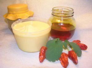 Маска для волос из репейного масла с медом: эффект против облысения