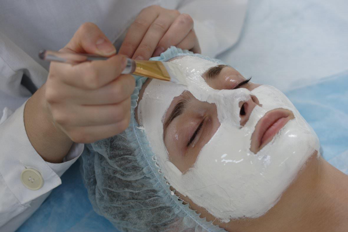 При ОРВИ не нужно наносить маску в области рта и носа