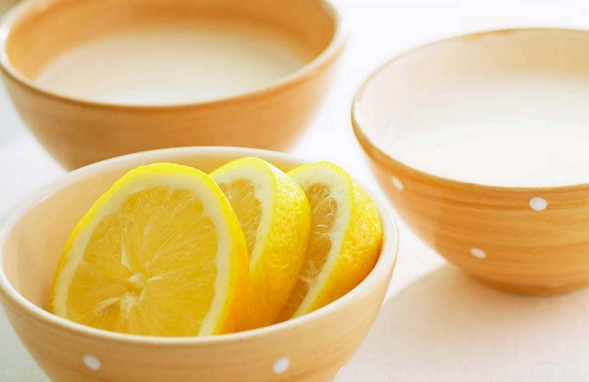 Если у вас жирная и проблемная кожа, тогда вам поможет маска с лимонным соком и дрожжами