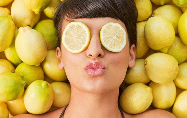Маски с лимоном для лица можно легко приготовить в домашних условиях