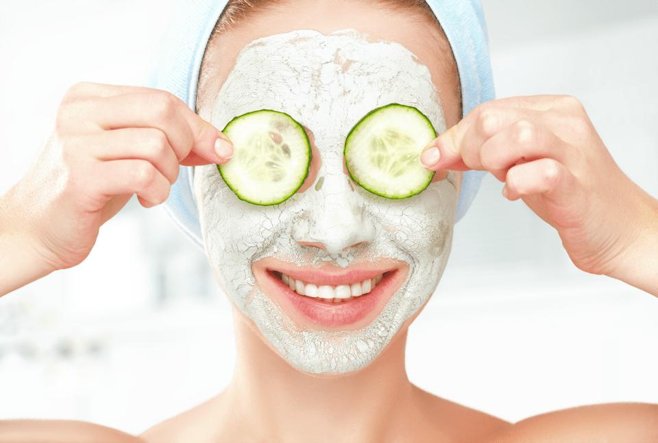 Домашние маски из натуральных продуктов являются лучшими средствами для жирной кожи лица