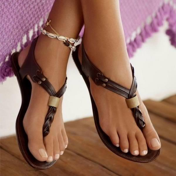Маска для ног Feet Mask увлажняет и питает кожу стоп, заживляя трещинки