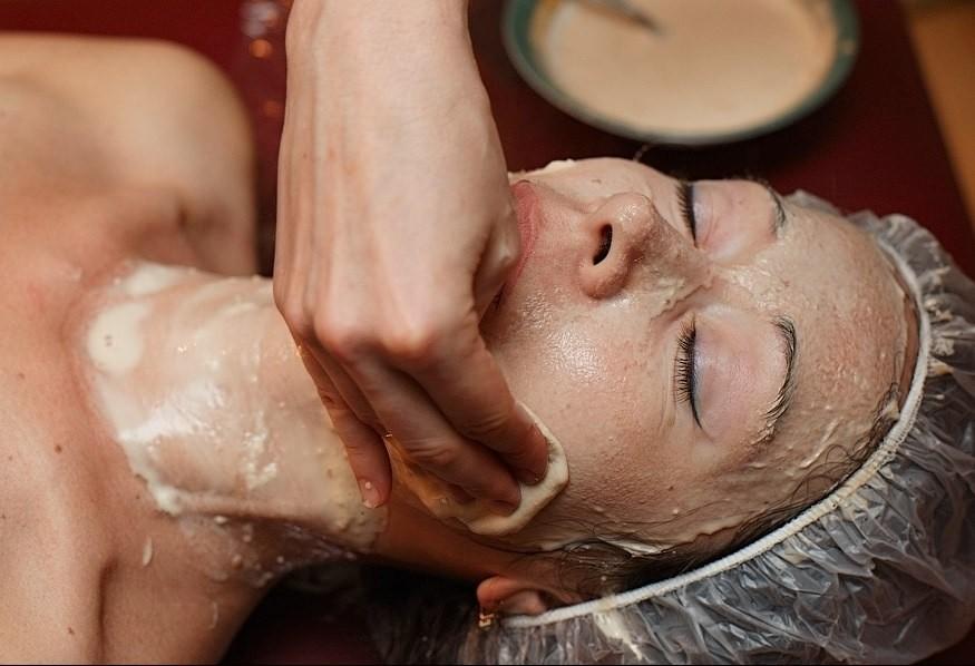 При создании дрожжевой маски для лица, нужно использовать уже готовые и проверенные рецепты