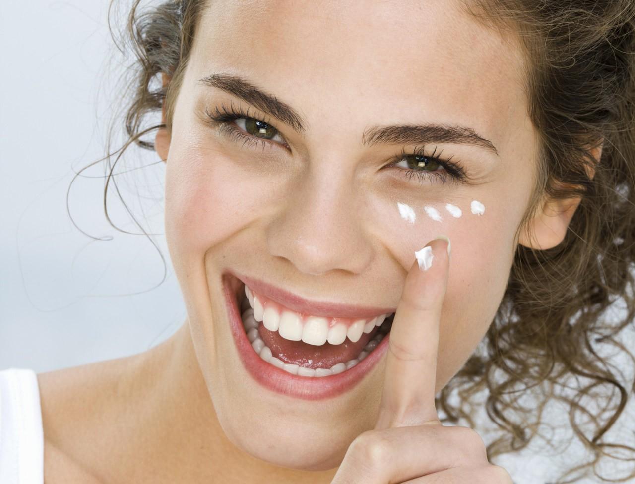 Пшеничная маска помимо омолаживающего эффекта, помогает очистить кожу от любых загрязнений