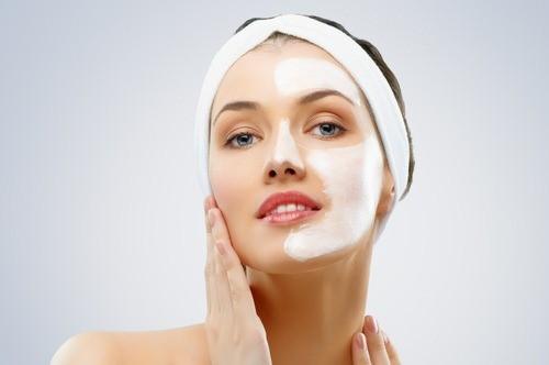 Маска «Botox Active Expert» помогает избавиться от морщин, восстанавливая контур лица и подтягивая кожу