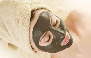 Натуральная маска из глины для лица – полноценный уход за любой кожей
