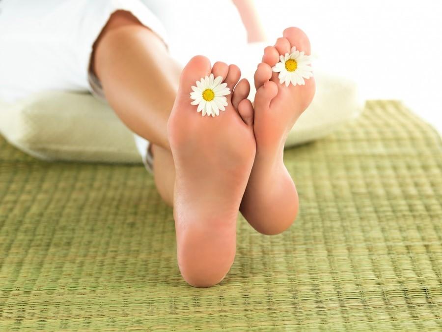 """Маска-носки для ног """"Skinlite"""" подойдет для любой кожи стоп, сделав ваши ножки мягкими и гладкими"""