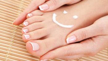 Эффективные отшелушивающие маски-носки для ног