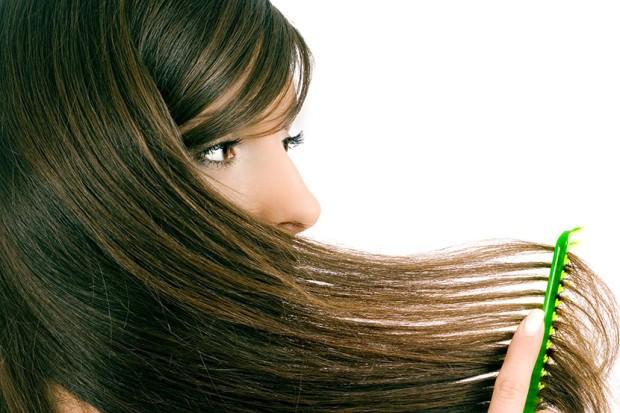 Маска для волос для жирных корней решит многие проблемы – уменьшит выделение кожного сала и улучшит внешний вид прядей