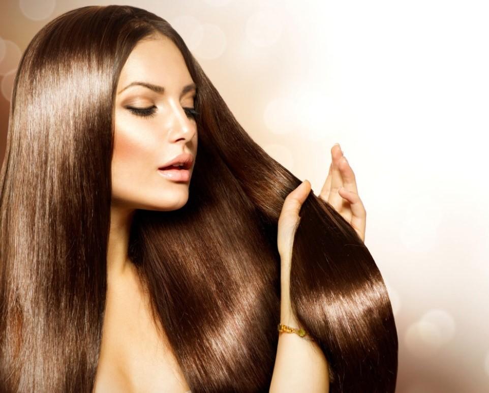 Тонирующая маска «Рябина» с эффектом ламинирования придает волосам здоровое сияние и гладкость