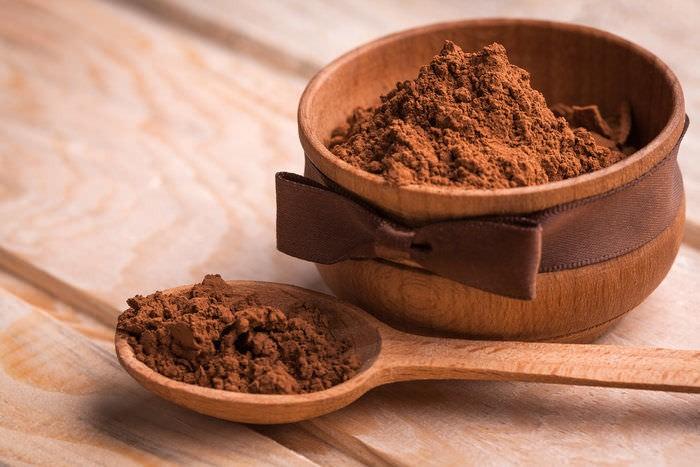 Маска с какао питает и укрепляет волосы, а также стимулирует их рост