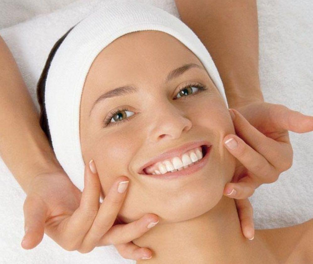 Маска «Локситан» глубоко питает кожу лица, улучшая циркуляцию крови