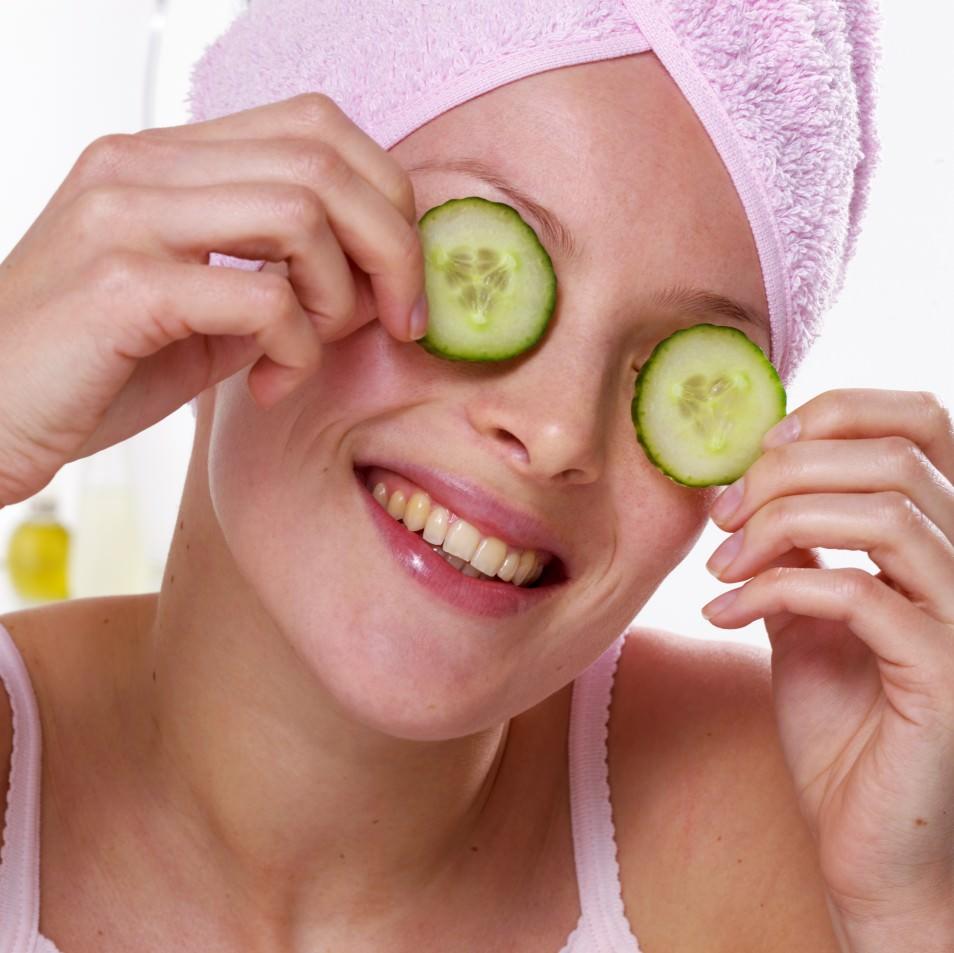 Огуречная маска поможет цвету лица стать свежим и ровным