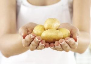 Маска для лица из картофеля: 3 рецепта и советы по применению
