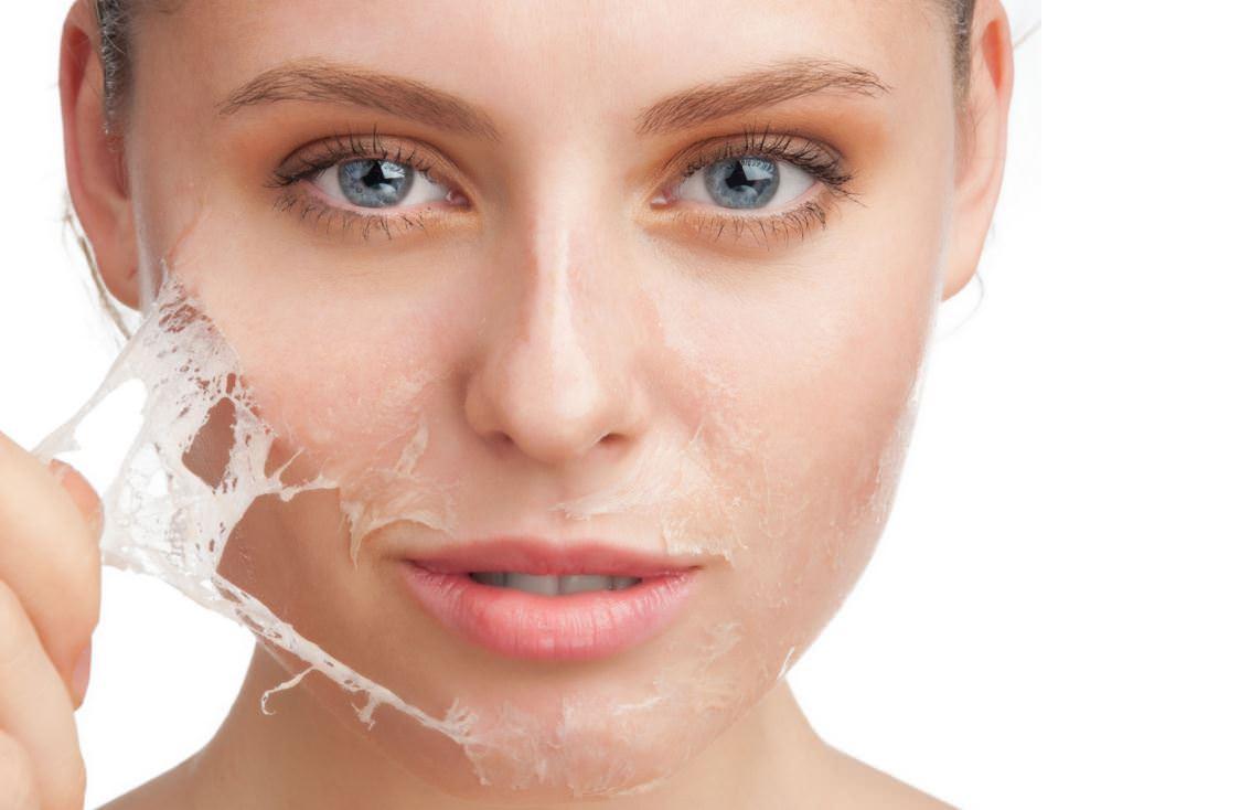 Маска-пленка «Freeman» одновременно питает и очищает кожу лица