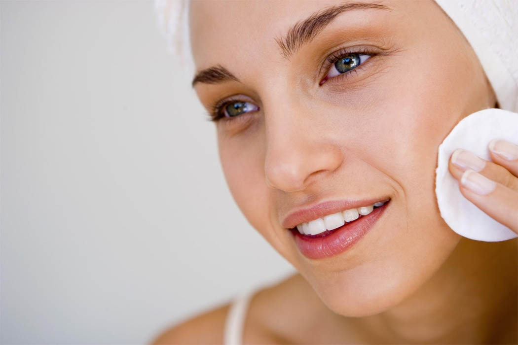 Правильно подобранная маска для лица поможет выглядеть вашей коже ухоженной и привлекательной