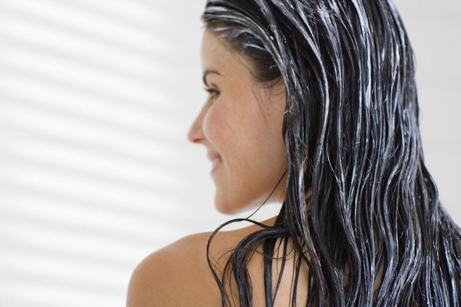 Маска с маслом арганы способна восстановить волосы после повреждений, защитить от пересушивания и ломкости