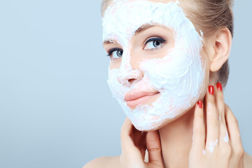 Маски для сужения пор на лице рекомендуют применять не чаще 3 раз в неделю