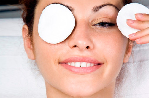После регулярного использования домашней маски от синяков под глазами кожа засветится здоровьем и красотой