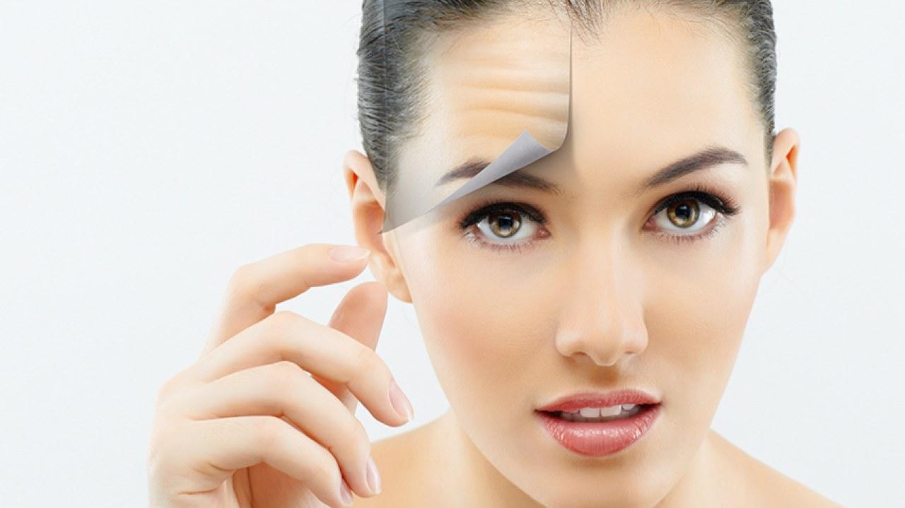 Крем-маска «Секрет Нефертити» нежно удаляет загрязнения, очищает поры, придавая коже мягкость и бархатистость