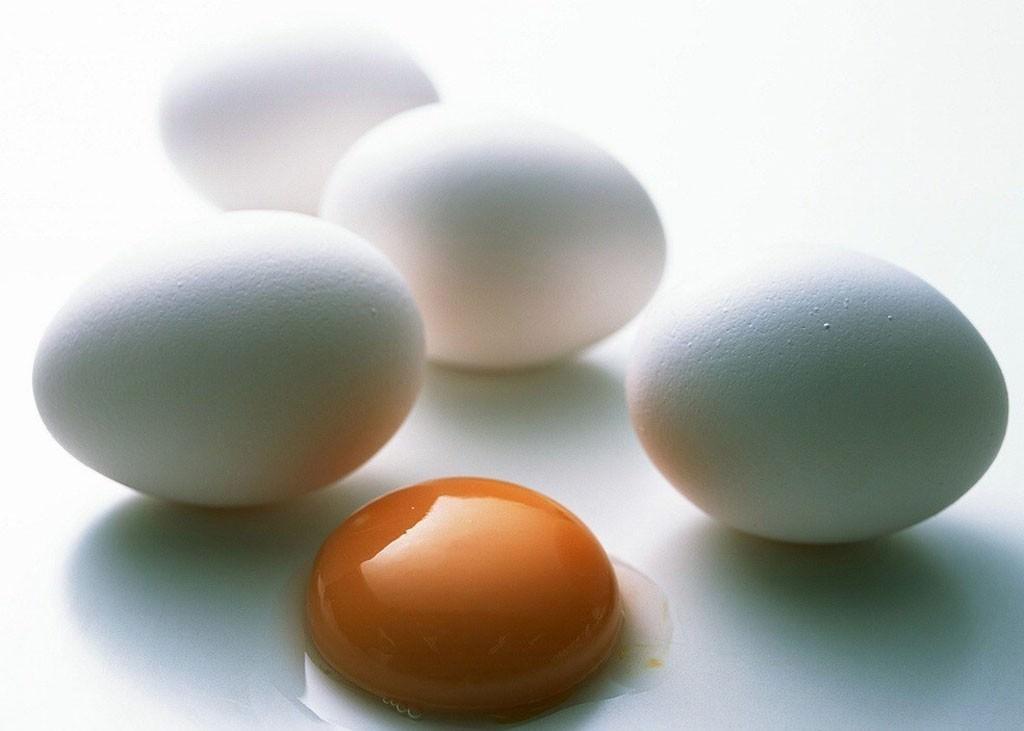 Используйте для приготовления маски домашнее яйцо, а не покупное