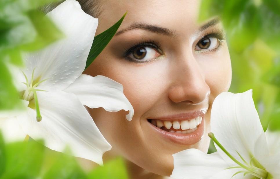 Огуречно-лимонная маска прекрасно справляется с излишней пигментацией на коже лица