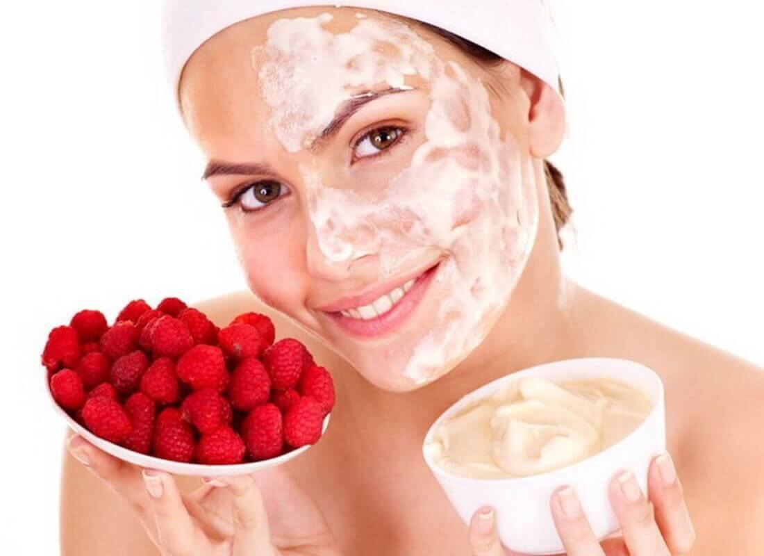 Маски из ягод придают коже тонус и освежают ее