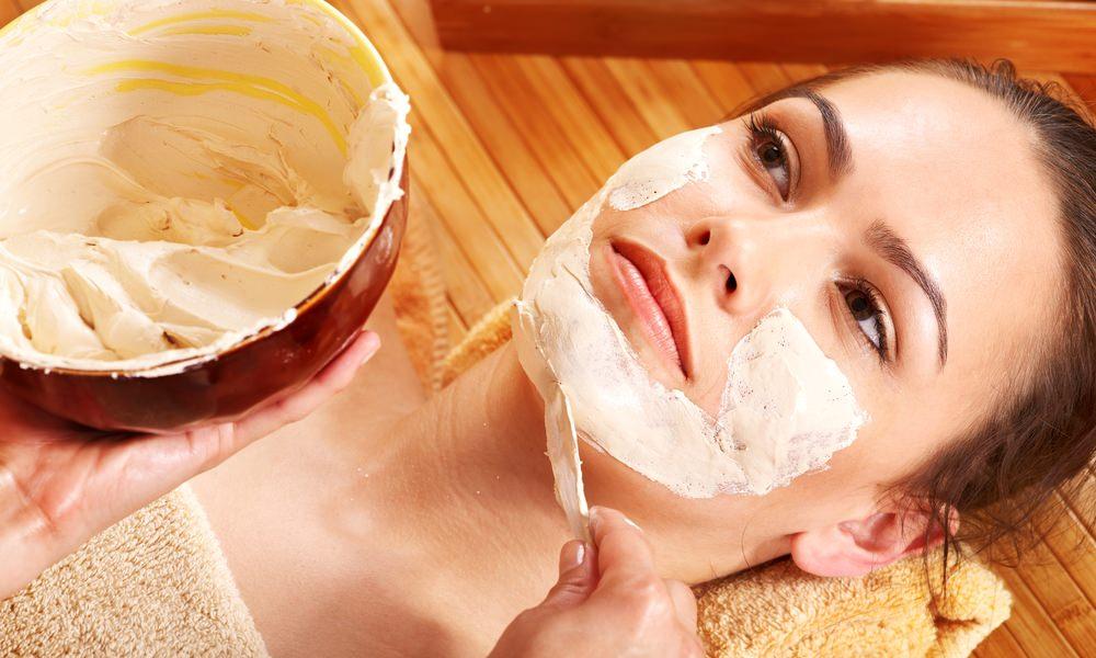 Питательная маска для лица в домашних условиях сделает кожу гладкой и упругой