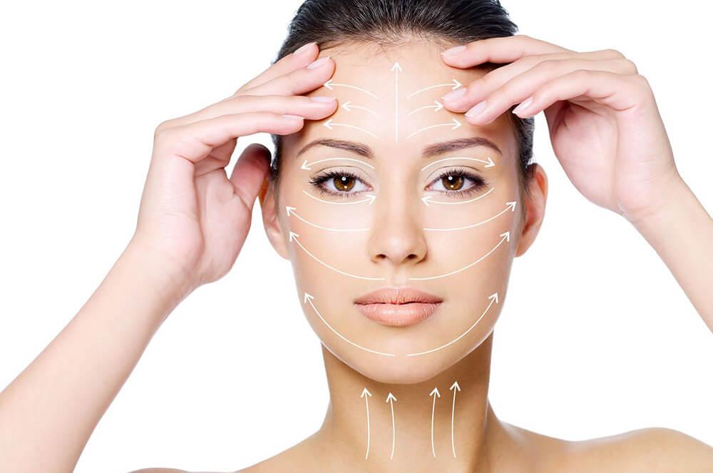 Наносить питательную маску нужно только по массажным линиям лица