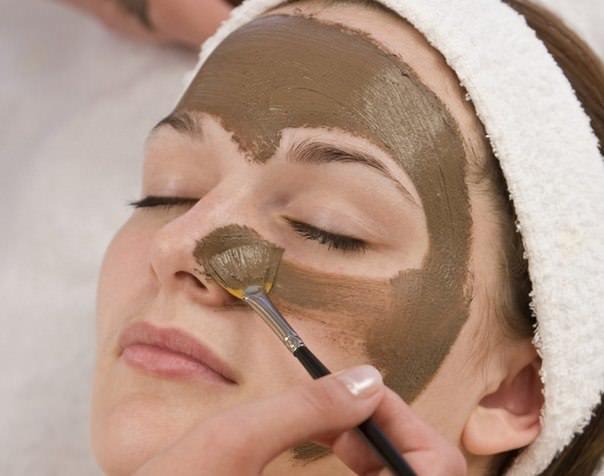 Маска с бодягой для лица прекрасно очищает, лечит, омолаживает кожу