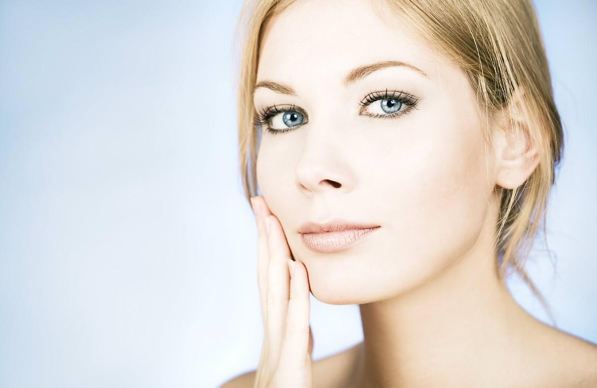 При регулярном применении маски из заварного крема кожа лица становится свежей и подтянутой