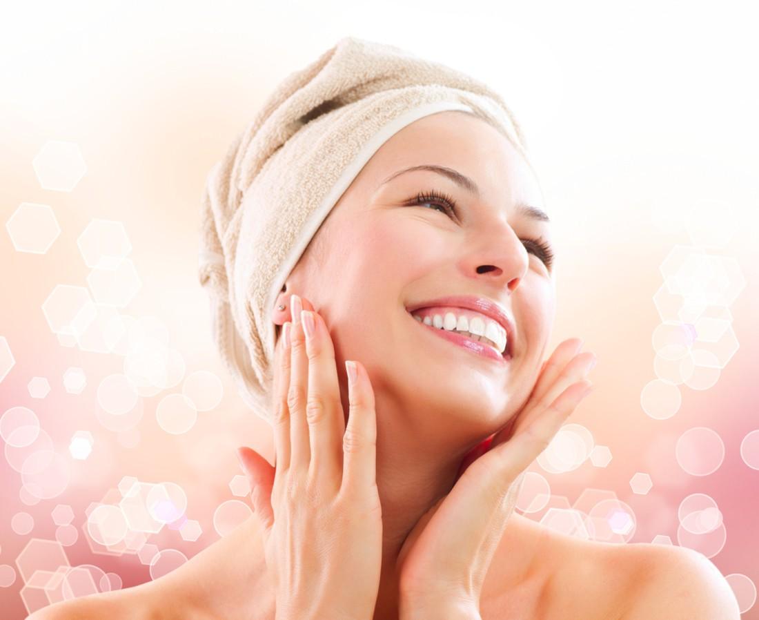 Все маски для шеи и декольте способствуют повышению гладкости и эластичности кожи